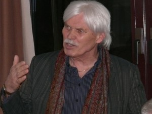 Der Rosengartener Ortsvorsteher Hans Werner Schmitt, der auch für seinen Stadtteil auf eine Bürgerkammer setzt, erläutert Details.