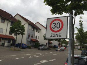 In Neuschloß gilt Tempo 30 - eigentlich.