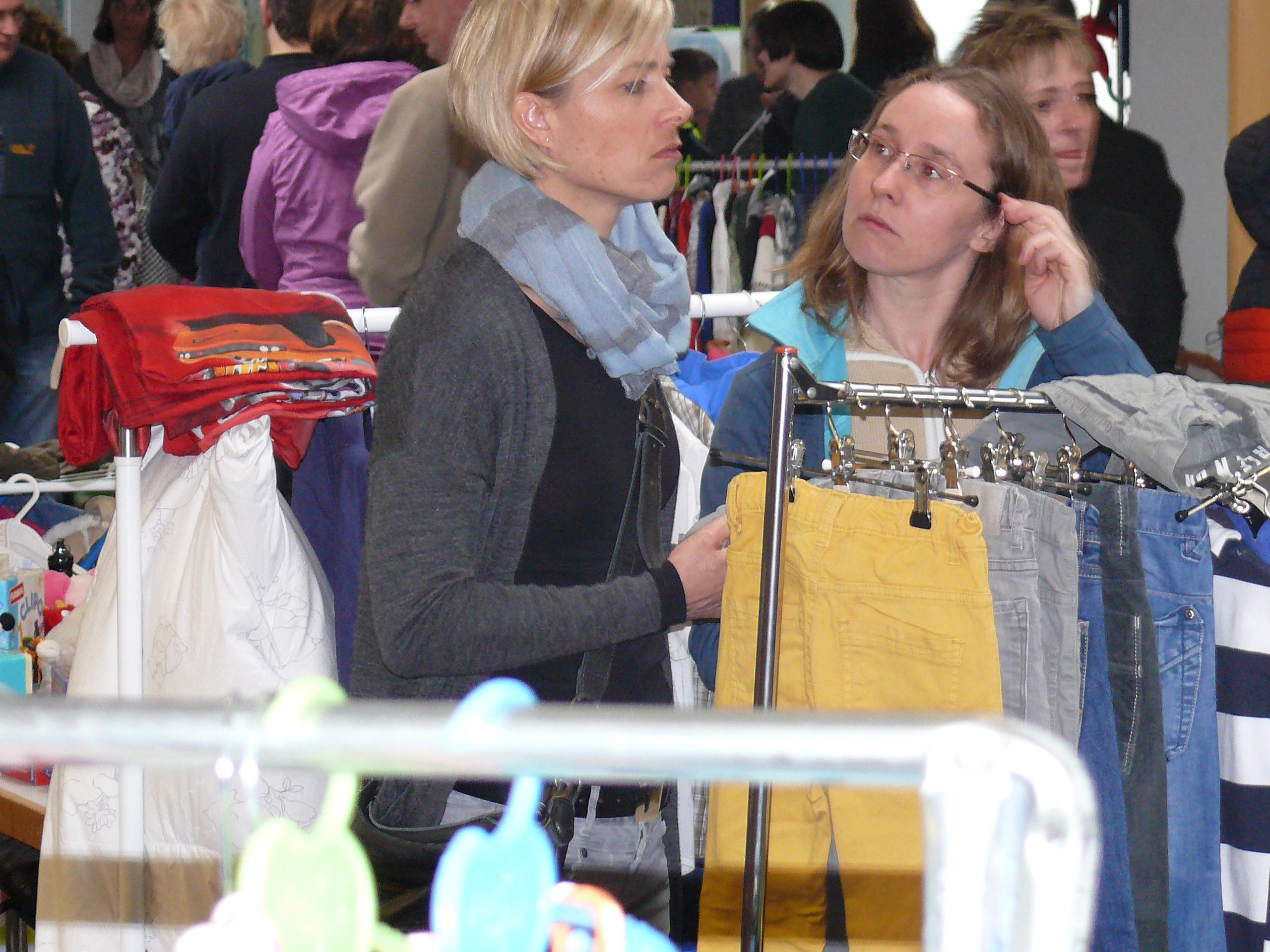 Flohmarkt an der Pestalozzischule - Bild aus dem Frühjahr.