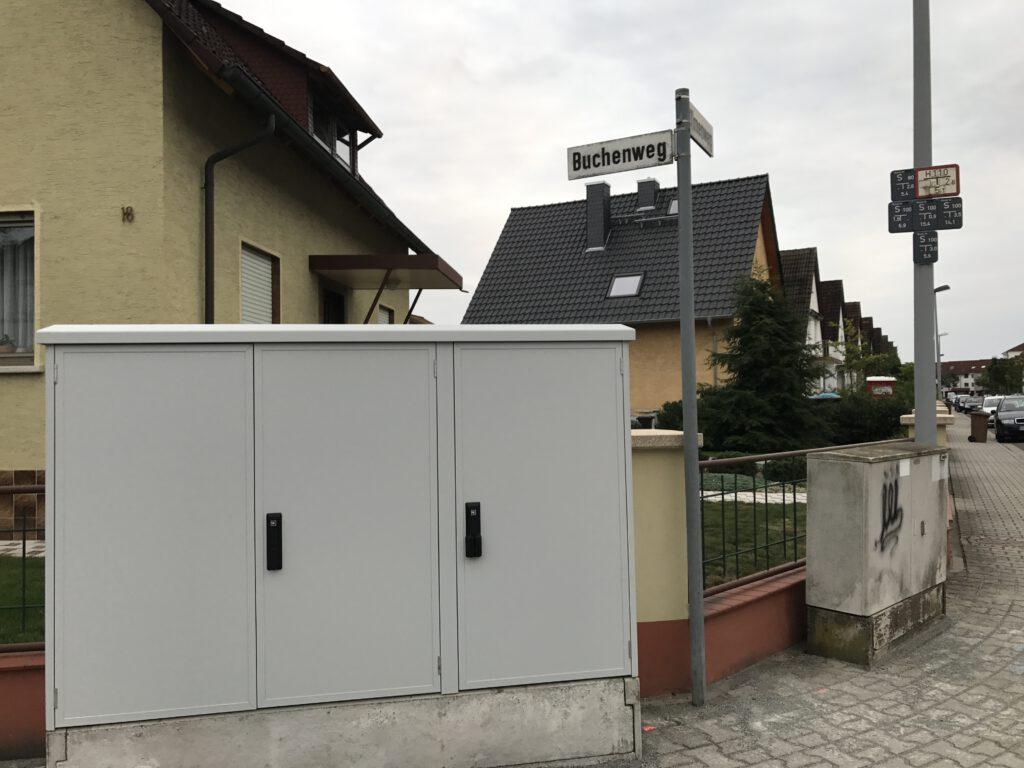 Steuerungskasten an der Ecke Ulmen-/Buchenweg.