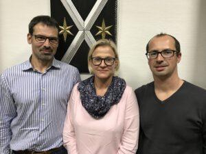 Diana Wunderlich (Mitte) wird von der Bürgerkammer für den Lampertheimer Fahrgastbeirat vorgeschlagen. Mit im Bild: Mathias Pawlenka und Thomas Mauser.