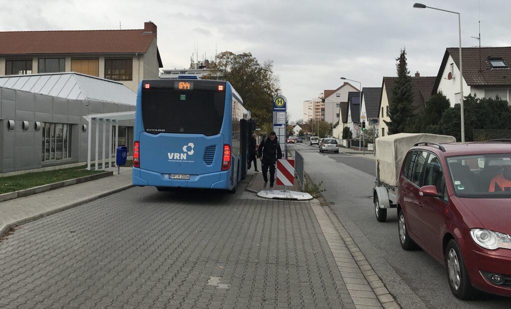 Eine Haltestelle für zwei Richtungen an der Goetheschule.
