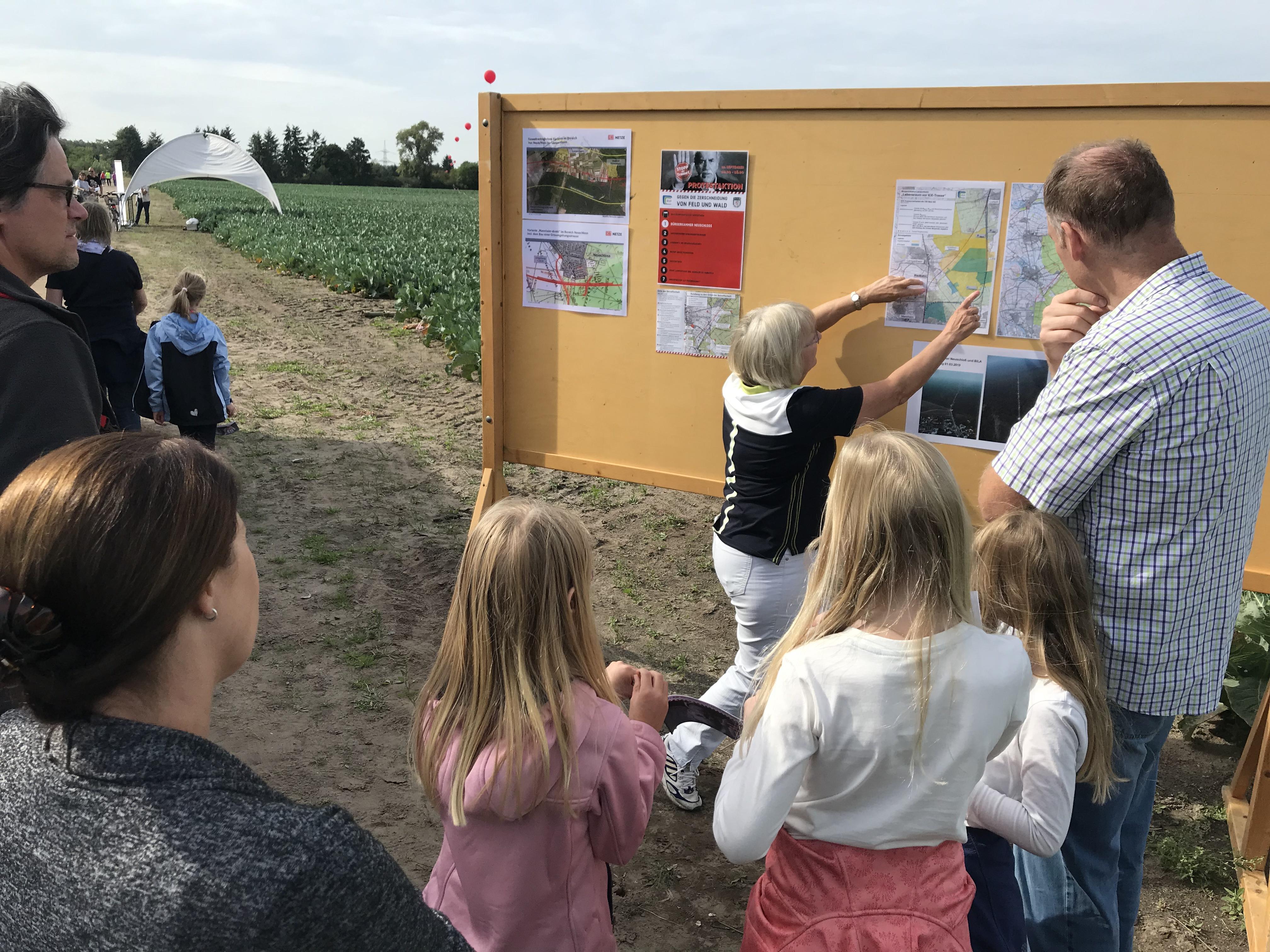 Die Bürgerkammer Neuschloß informiert über die geplante Neubaustrecke.